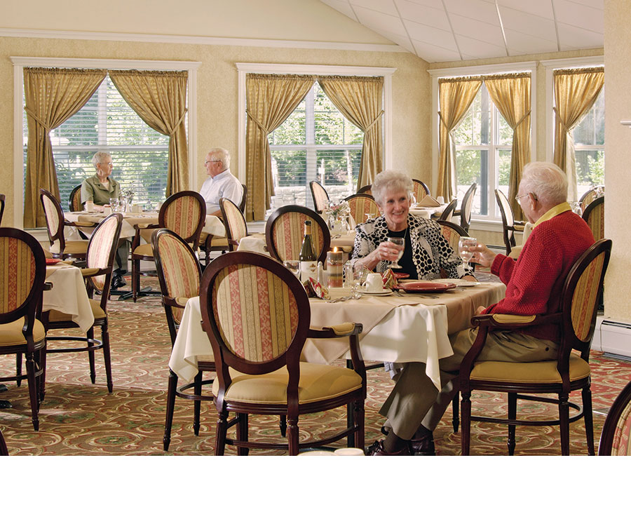View of a dining room designed with the needs of senior's in mind (Source: BLIND DOG PHOTO / Health Facilities Magazine)