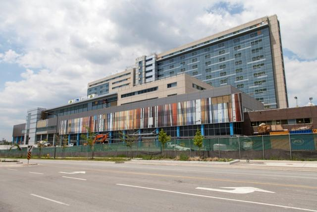 Photo of exterior of Humber River Hospital under construction